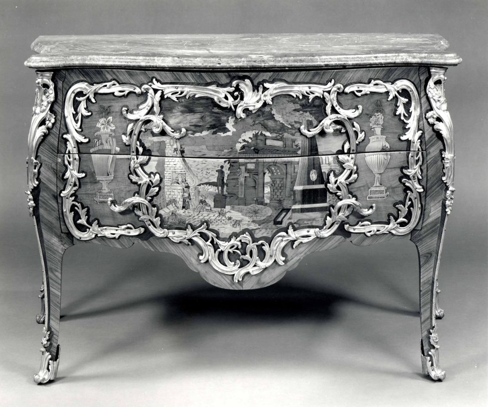 Commode attribuée à Léonard Boudin