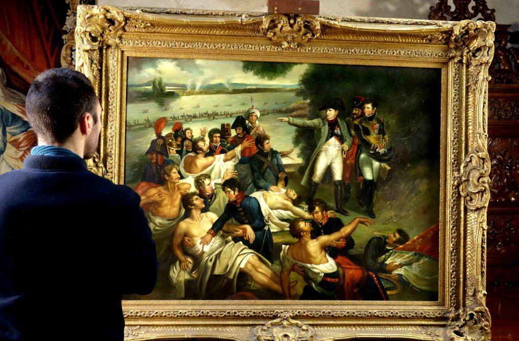 Ce grand tableau signé de Coveir mesure 160 cm de longueur